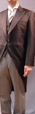 「安い礼服はすぐバレル!礼服・フォーマルスーツはレンタルよりオーダーメイドがお得」最近のフォーマルスーツ事情『オーダーフォーマルスーツ専門店Noblec(ノーブレック)』