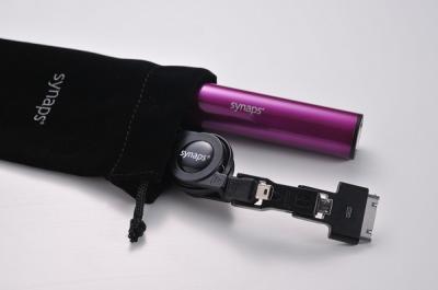 スマートフォンの電池切れを解決!トリプルUSBケーブル付き軽量バッテリー SMART POWER(スマートパワー)-synaps-誕生