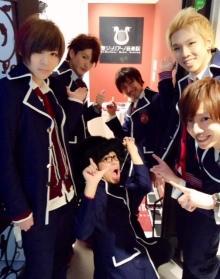 東京・池袋にイケメンが歌って踊って生バンドを披露するミュージック・コンセプトカフェ『聖ジュリアーノ音楽院』が3月15日オープン!