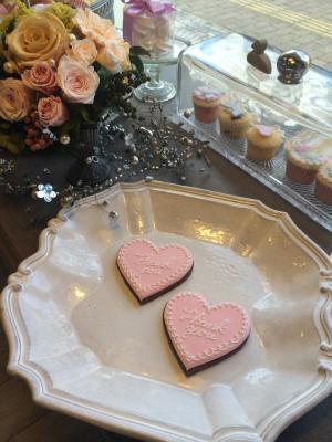 手作りスイーツギフト ブライダルギフト カップケーキと焼き菓子のお店 プティ・ビズ芦屋はバレンタイン用アイシングクッキーの新製品を発表し発売を開始
