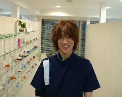 日本一働くイケメン歯科医師が『デュアルタイプ』歯科医院を、 渋谷徒歩1分ヒカリエ隣のマイアミビル5階にオープン。 昼はクリーニングなど審美歯科メイン、 夜は救急夜間歯科診療に対応します
