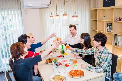 日本初!外国人旅行者と日本人長期入居者の国際交流を演出する新型デザイナーズ国際交流シェアハウスが8/1に読売ランド前駅にOPEN!