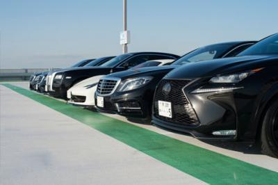 大阪で高級車レンタカーのSSレンタカーを運営する株式会社SSコーポレーションにレクサスGS450hが納車した。