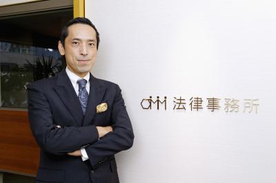 OMM法律事務所の大塚和成弁護士が、経営者インタビューサイト「LEADERS FILE」に掲載されました