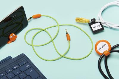 日本初上陸!お湯で何度も使用可能!DIY樹脂スティック『FixIts』をクラウドファンディングサイト『GREENFUNDING』にてプロジェクト開始!