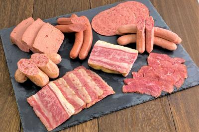 新シリーズ「十勝ハーブ牛 シャルキュトリー」商品の本格販売を開始、ベーコン、フランクソーセージ(ホルモン入り)など8種類 ~これから迎える夏のお中元、アウトドアシーズンに向けて